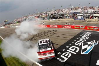 2011 WGI Aug NNS No 22 Burnout