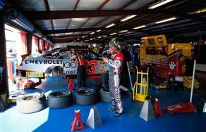2011 TSS Oct NSCS Bowyer in Garage