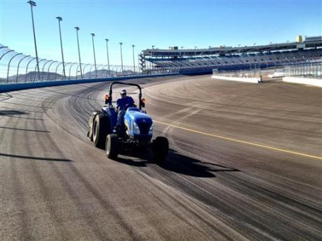 2011 PIR Oct NSCS Tire Dragging4