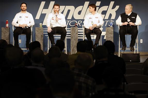 The Final Lap Weekly #336 NASCAR Radio Podcast – Earnhardt Jr. / Johnson / Gordon 'Nuff Said
