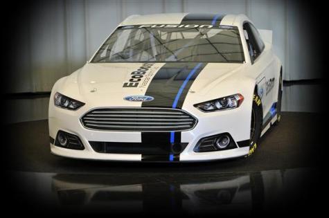 2013-NASCAR-Ford-Fusion-NASCAR-Sprint-Cup-Series-car-front