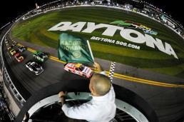 american-ethanol-green-flag-nascar-trucks-daytona