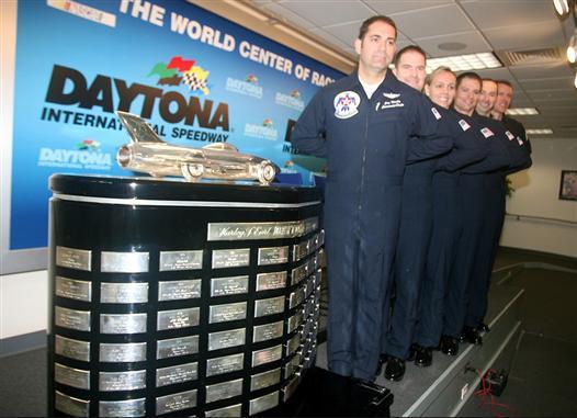 daytona-500-nascar-air-force-thunderbird
