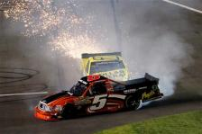 jason-leffler-paulie-harraka-crash-daytona-nascar-trucks