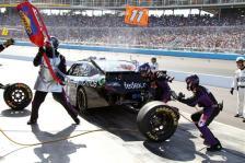 2012 Phoenix March NSCS Race Denny Hamlin Pit Stop