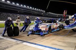 NASCAR-Nationwide-Texas-Elliott-Sadler-pitstop