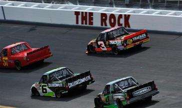 nascar-rockingham-trucks-action-therock