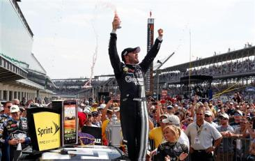 jimmie-johnson-victory-lane-brickyard-2012
