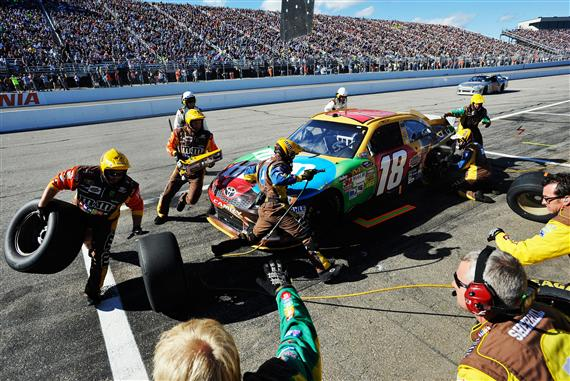 kyle-busch-new-hampshire-chase-sprint-cup-2012