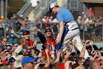 dale_earnhardt_jr_homestead-miami