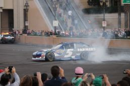 2012 NASCAR Victory Lap Las Vegas Burn Outs - Kasey Kahne