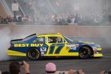 2012 NASCAR Victory Lap Las Vegas Burn Outs - Matt Kenseth