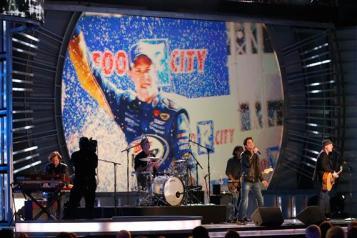 2012 Vegas Awards Ceremony Train Performs