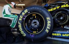 2013 Daytona Preseason Thunder Day 3 Ricky Stenhouse Jr In Garage