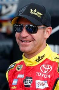 2013-Clint-Bowyer-Daytona500-Practice