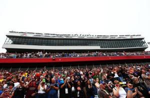 Fans-attendance-Daytona-500-2013-nascar