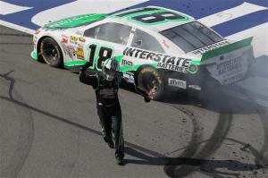 auto-club-400-kyle-busch-wins-auto-club-2013