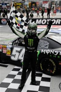 checkered-flag-kyle-busch-kyle-larson-nascar-nationwide-series-bristol-2013