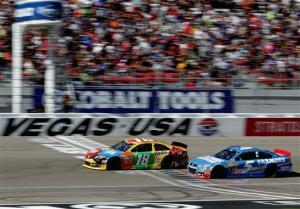 NASCAR_NSCS_KOBALT400_Kyle_Busch_Kasey_Kahne_031013