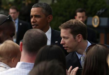 2013 white house brad keselowski president obama greet fans