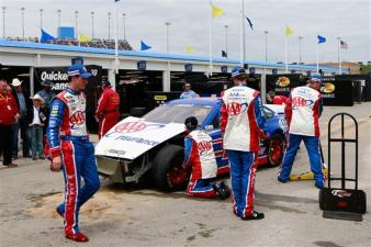 joey-logano-nascar-crash-2013-nascar