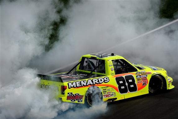 matt-crafton-burnout-kansas-1-2013