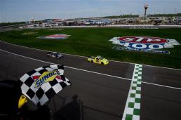 matt-crafton-checkered-flag-kansas-1-2013