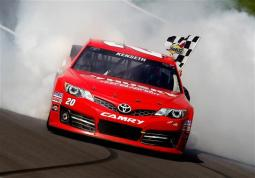 matt-kenseth-checkered-flag-kansas2