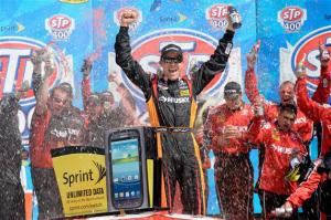 matt-kenseth-victory-lane-kansas-1-2013-nascar