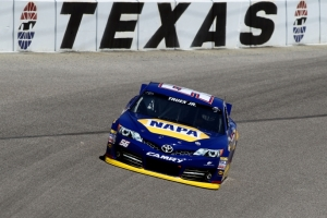 Texas_April_Martin_Truex_Jr_Practice_041213