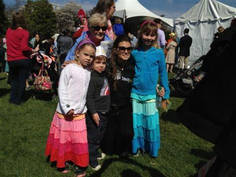 white_house_easter_egg_rol_danica_patrick_family_fans_photo_040113