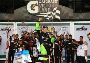 matt_kenseth_victory_lane_nns_070513