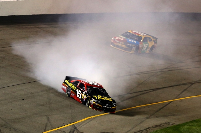 Clint_Bowyer_spin_Richmond_2013