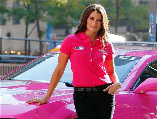 danica_patrick_breast_cancer_awareness_paint_scheme_nyc_100113_6
