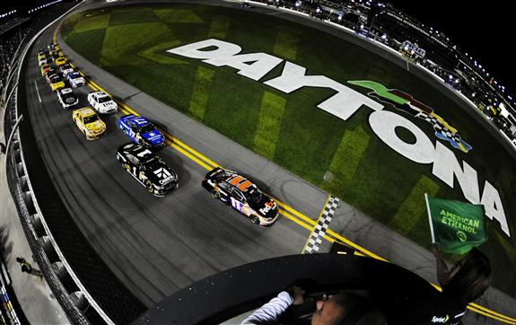 2014_nscs_sprint_unlimited_green_flag